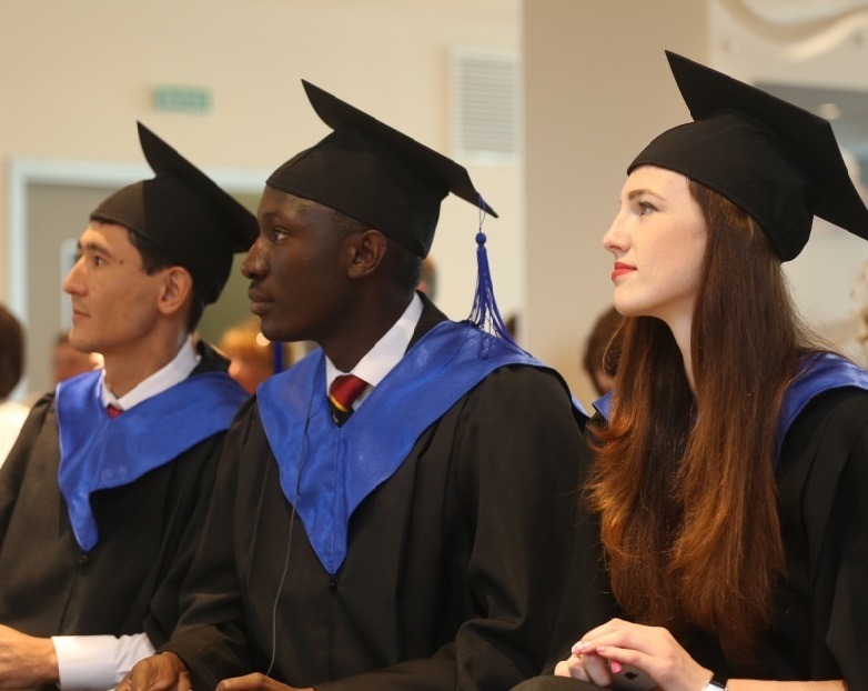 The inaugural students at the RIOU have been awarded their Master of Sport Administration qualifications ©RIOU
