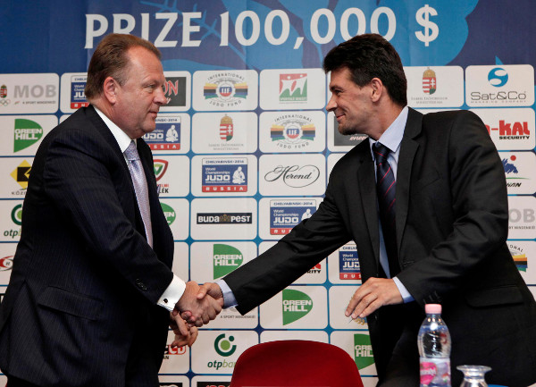 Marius Vizer, President of the International Judo Federation, has promised to work closely with the International Blind Sports Federation after signing the deal with Nobert Biro, chairman of its Judo Committee ©IJF