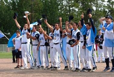 Argentina celebrate a second successive Under-19 Softball World Championship win ©WBSC