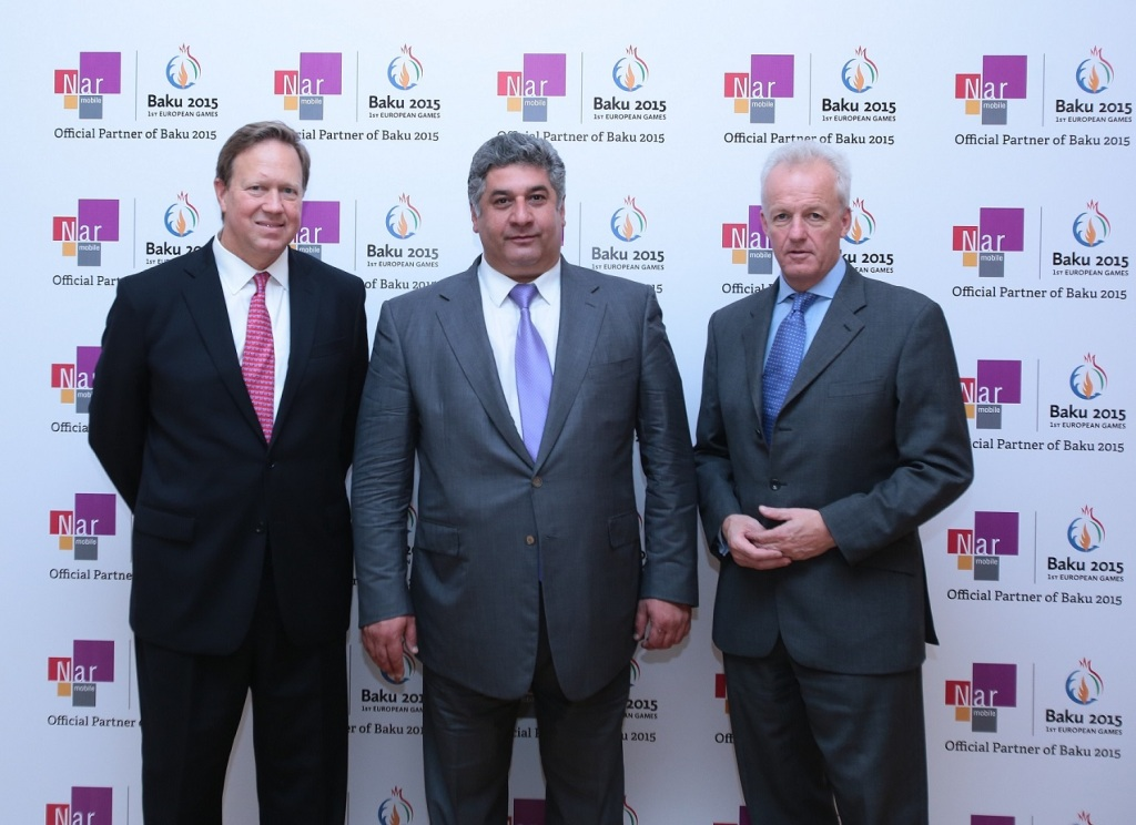 The deal was signed by Azad Rahimov (middle), Azerbaijan's Minister of Youth and Sports and chief executive of Baku 2015, alongside Kent McNeley (left), chief executive officer of Nar Mobile and Simon Clegg, chief operating officer at Baku 2015 ©Baku 2015