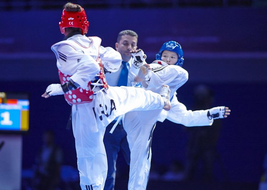 China secured two of three gold medals on offer on day one of the Suzhou Taekwondo Grand Prix ©WTF