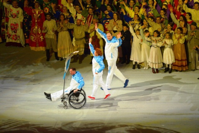 Former Paralympic champions Sergey Shilov and Olesya Vladikina helped launch the Accessibility Map in the build-up to the Sochi Paralympics, where they were torchbearers in the Opening Ceremony ©Getty Images