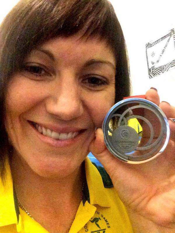 Anna Meares looking pleased with her silver from the women's sprint ©Twitter