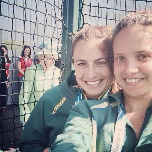Australian hockey player Jayde Taylor's selfie with a royal addition ©Twitter