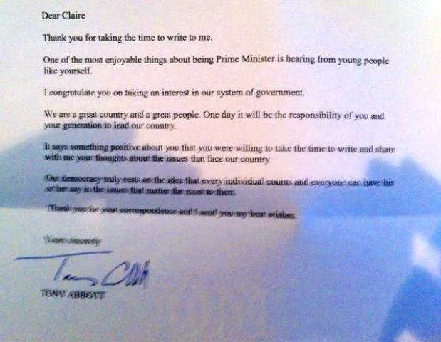 Claire Falls tweeted a picture of the letter she received from Australian Prime Minister Tony Abbott ©Twitter