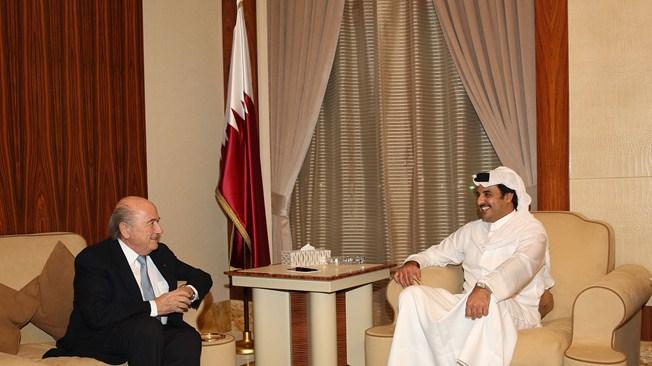 FIFA President Sepp Blatter with Emir Sheikh Tamim Bin Hamad Al Thani ©Getty Images/FIFA