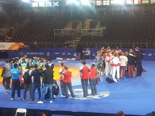 Indian and Canadian wrestlers celebrate post-competition ©ITG