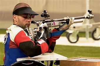 Matt Skelhon claimed his first IPC Shooting world title in Suhl today ©Getty Images