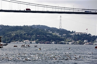 Over 1,600 competitors took to the waters of the Bosphorus to compete in the annual Asia to Europe race ©Anadolu Agency/Getty Images