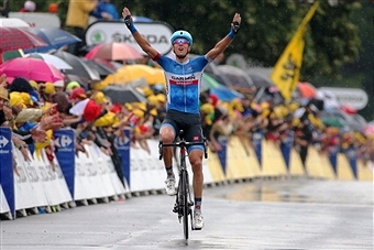 Ramunas Navardauskas raises his hands in celebration as he becomes the first Lithuanian to win a stage on the Tour de France ©Getty Images
