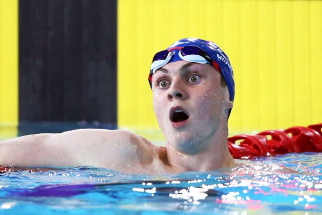 Ross Murdoch cannot believe his eyes when he looks at the big screen and sees that he is Commonwealth Games champion ©Getty Images