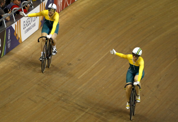 Stephanie Morton and Anna Meares acknowledge the crowd after the womens sprint final ©Getty Images