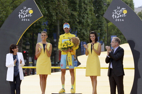 Vincenzo Nibali celebrates after winning the 2014 Tour de France ©Getty Images