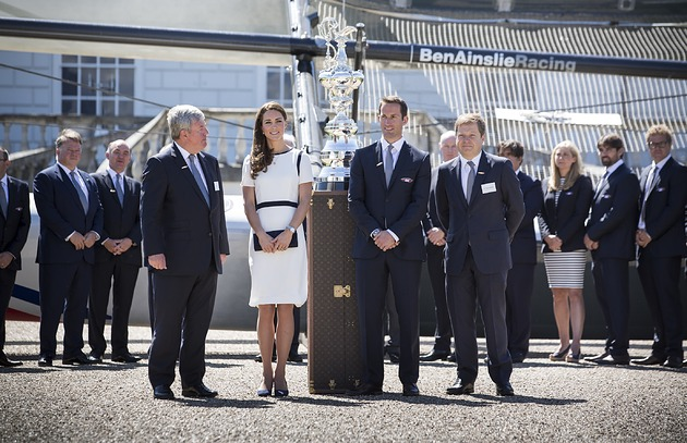 Sir Ben Ainslie was alongside the Duchess of Cambridge and LOCOG deputy chairman Sir Keith Mills at the unveiling ©Ben Ainslie Racing