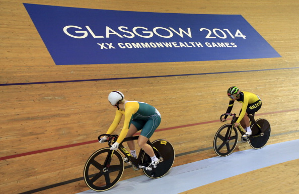 Stephanie Morton of Australia en route to beating compatriot Anna Meares ©Getty Images