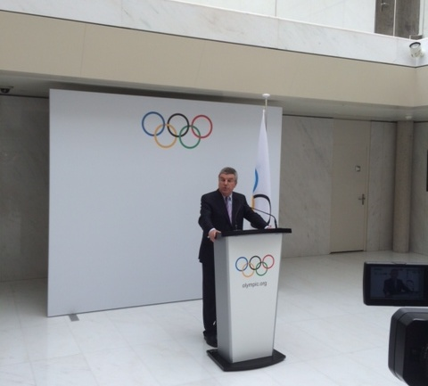 Thomas Bach making the announcement about the short list for 2022 ©ITG
