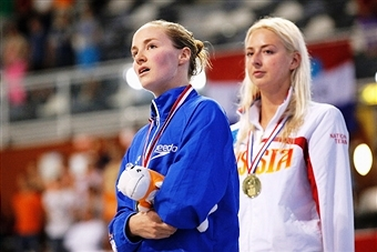 Claire Cashmore of Great Britain (left) and Russian Olesya Vladykina shared European gold in Eindhoven ©Getty Images