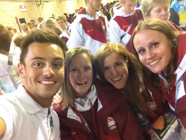 Team England's marathon team are joined by diver Tom Daley ahead of the Closing Ceremony ©Twitter