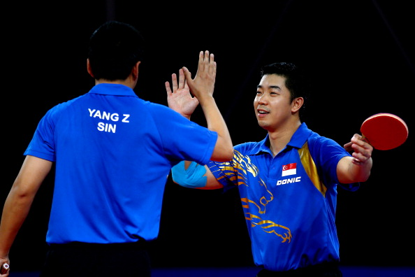 Singapore celebrate table tennis doubles success ©Getty Images