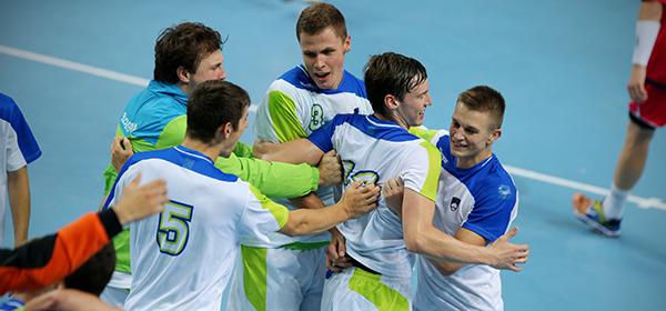 Slovenia celebrate reaching the handball final ©IHF