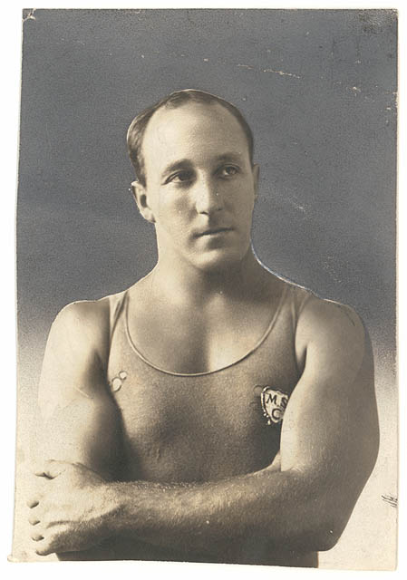 Swimmer Cecil Healy, a gold medal winner in the 1912 freestyle relay, died at the Somme ©Hulton Archive