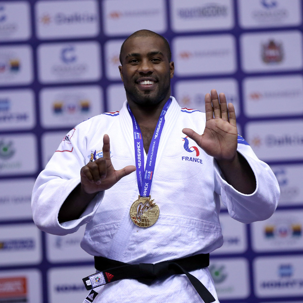 France's Teddy Riner celebrates his seventh world title ©IJF