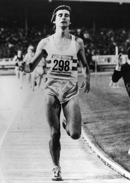 Seb Coe sets a world 1500m record of 3:32.03 on the Zurich track in August 1979 ©Getty Images