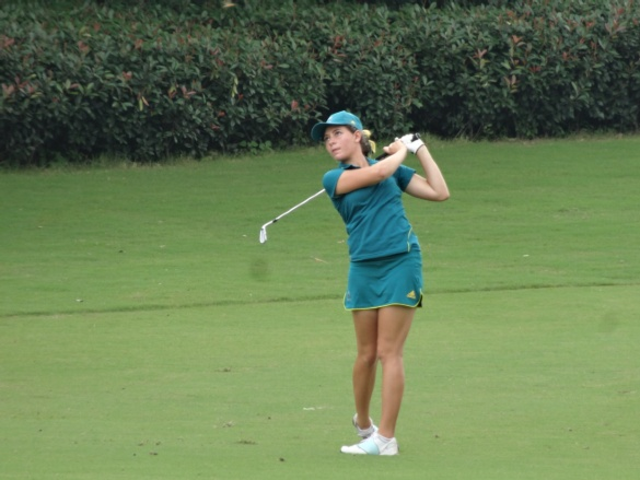 Elizabeth Elmassian had a solid first round in the mixed team golf contest yesterday ©AOC