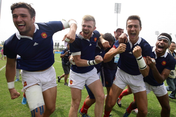 France celebrate their victory over Argentina to claim rugby sevens glory ©Getty Images