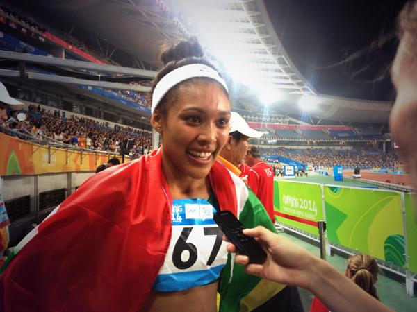 Gezelle Magerman wins gold in the 400m hurdles ©Twitter