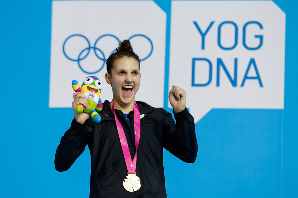 Gold medalist Hannah Moore of United States celebrate during the medal ceremony after the women's 400m freestyle final ©Getty Images