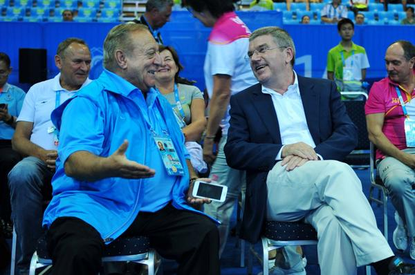 IOC President Thomas Bach with IWF President Tamas Ajan at the weightlifting ©Twitter