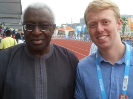 Paul Osborne poses with IAAF President Lamine Diack ©ITG