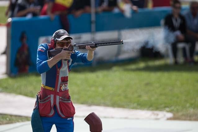 Alexander Zemlin took top honours in the men's skeet, the final senior gold medal of the World Shooting Championships in Granada ©ISSF