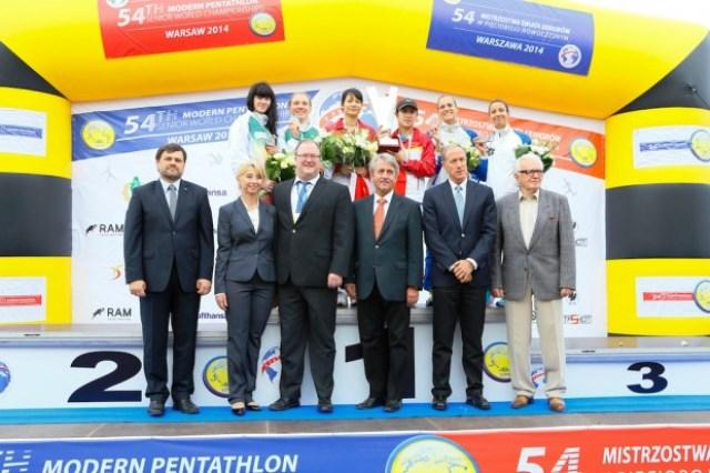 China topped the podium in the women's team relay on the first day of the Modern Pentathlon World Championships ©UIPM