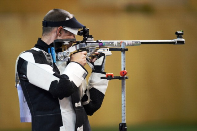 Cyril Graff of France set a world record in the men's 300m rifle competition in Granada on his way to gold ©Getty Images