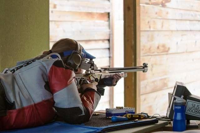 Dane Charlotte Jakobsen shot her way to a fourth world title in Granada ©ISSF