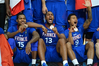 France celebrate winning the bronze medals at the FIBA Basketball World Cup  ©Getty Images