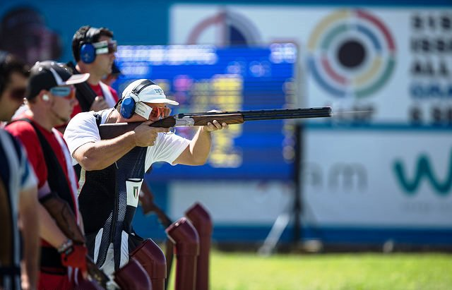 Giovanni Pellielo dedicated his bronze medal in Granada to his father who died last year ©ISSF