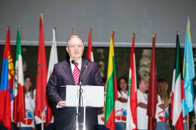 ISSF President Olegario Vazquez Raña addresses the Shooting World Championships Opening Ceremony in Granada ©ISSF