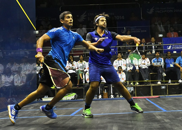 A fiercely competitive squash match is into a decider ©AFP/Getty Images