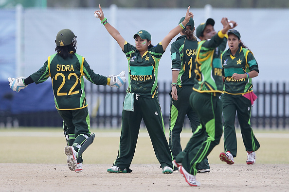 Pakistan celebrate a last gasp victory over Bangladesh to take cricket gold ©Getty Images