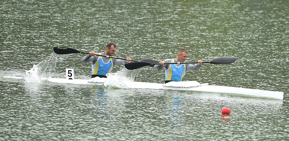 Yevgeniy Alexeyev and Alexey Dergunov in the K2 1,000m canoe sprint ©Getty Images