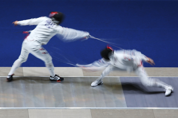 Jung Jin-sun en route to winning the all South Korean epee final ©Getty Images