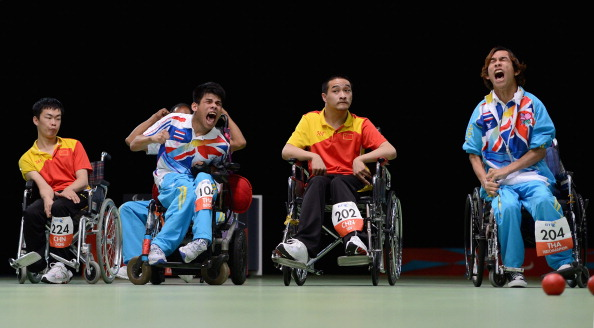 Pattaya Tadtong (left, centre) missed out on the medals in the BC1, while Vongsa Watcharaphon (right) dominated the BC2 ©Getty Images