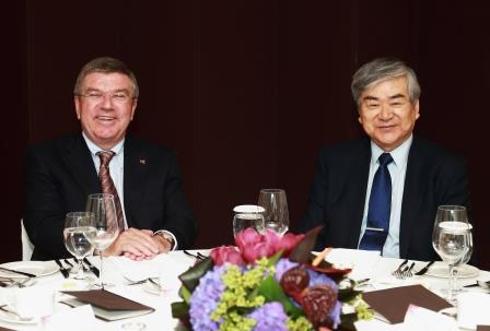 Thomas Bach meeting with Pyeongchang 2018 chairman Yang Ho Cho ©Pyeongchang 2018