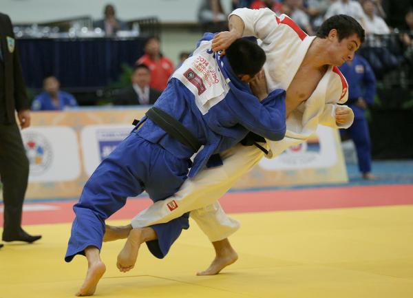 Japan's men beat defending champions Georgia 3-2 in the team final ©IJF