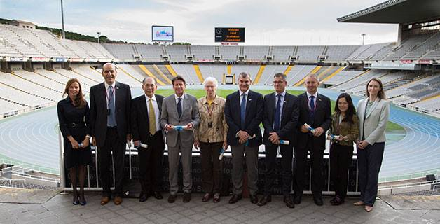 Sebastian Coe and the IAAF Evaluation Commission visited the Estadi Olímpic Lluís Companys where the 1992 Barcelona and Olympics and Paralympics were held ©RFEA