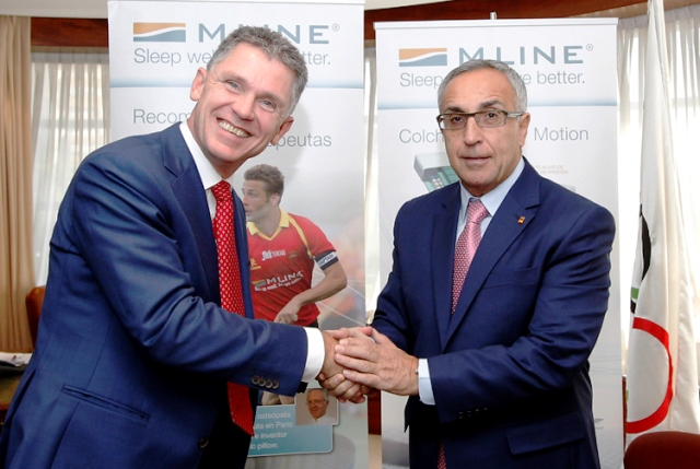 Spanish Olympic Committee President Alejandro Blanco (right) shakes on partnership deal with M Line boss Anthonie Hilbert Anbeek ©COE