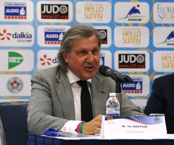 Tennis legend Illie Nastase revealed he is a big judo fan as he attended the draw for the IJF Junior World Championships in Florida ©IJF